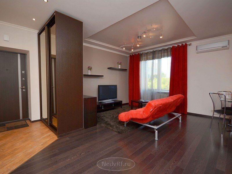 Аренда квартиры посуточно на улице Островского в Сочи, дом №1, 2 комнаты