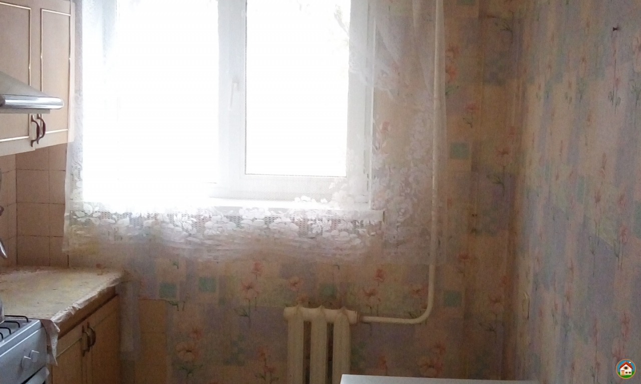 Продам 3 комн квартиру на Химиков