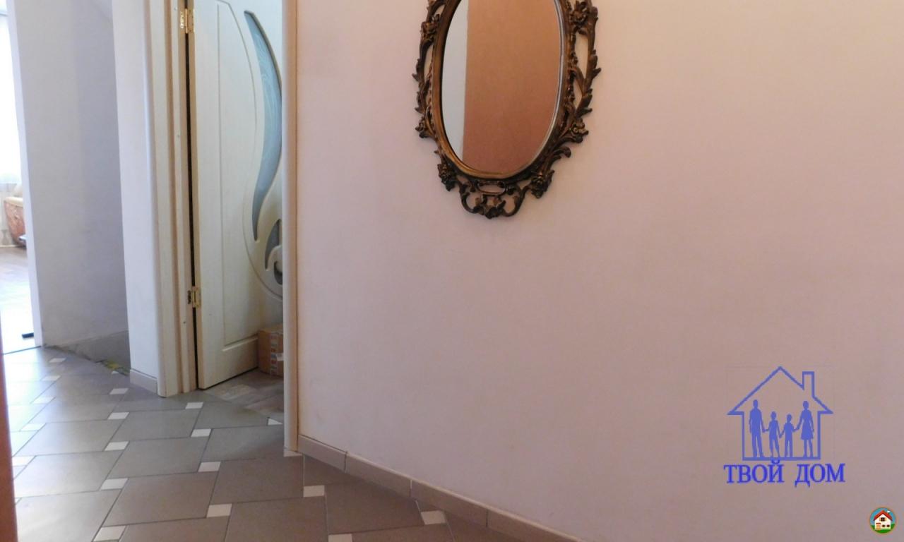 Продам таунхауз 151 кв.м., Новосибирская область, Новосибирский район, п. Озерный, Центральная аллея, 10