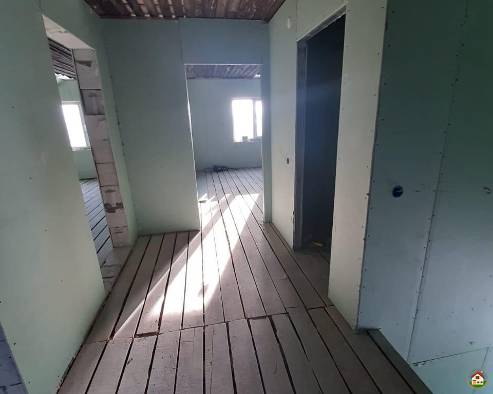 Продается 2-х этажный дом из газобетона площадью 196 кв.м.
