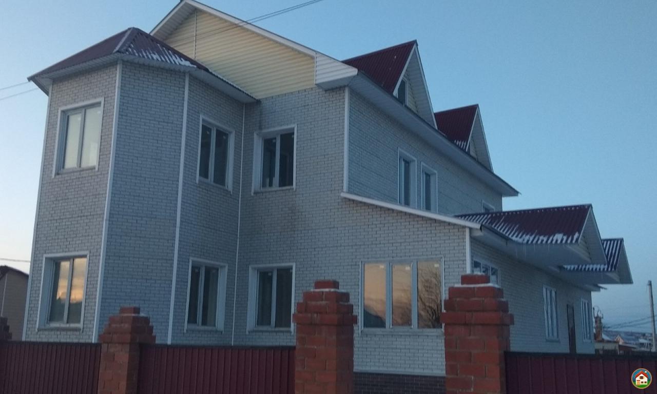 Продаётся новый, двухэтажный дом из газобетона