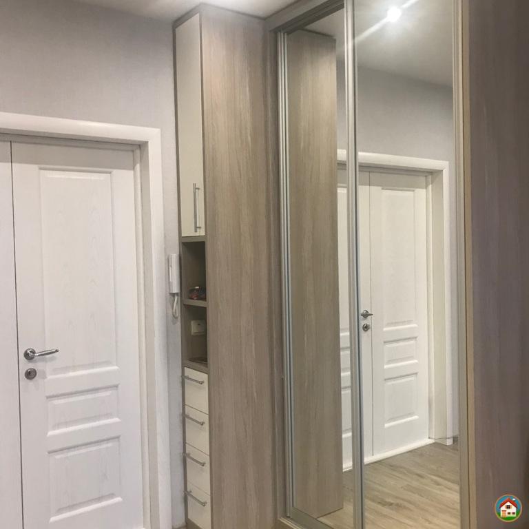 Г. Электросталь, продается комната  в 3х комнатной квартире в самом центре города, ул. Николаева, д.24, 2/3  кирпичного дома,  комната 15 кв.м. с евроремонтом, встроенный шкаф, кухня и места общего пользования также в отличном состоянии.  Рядом администра