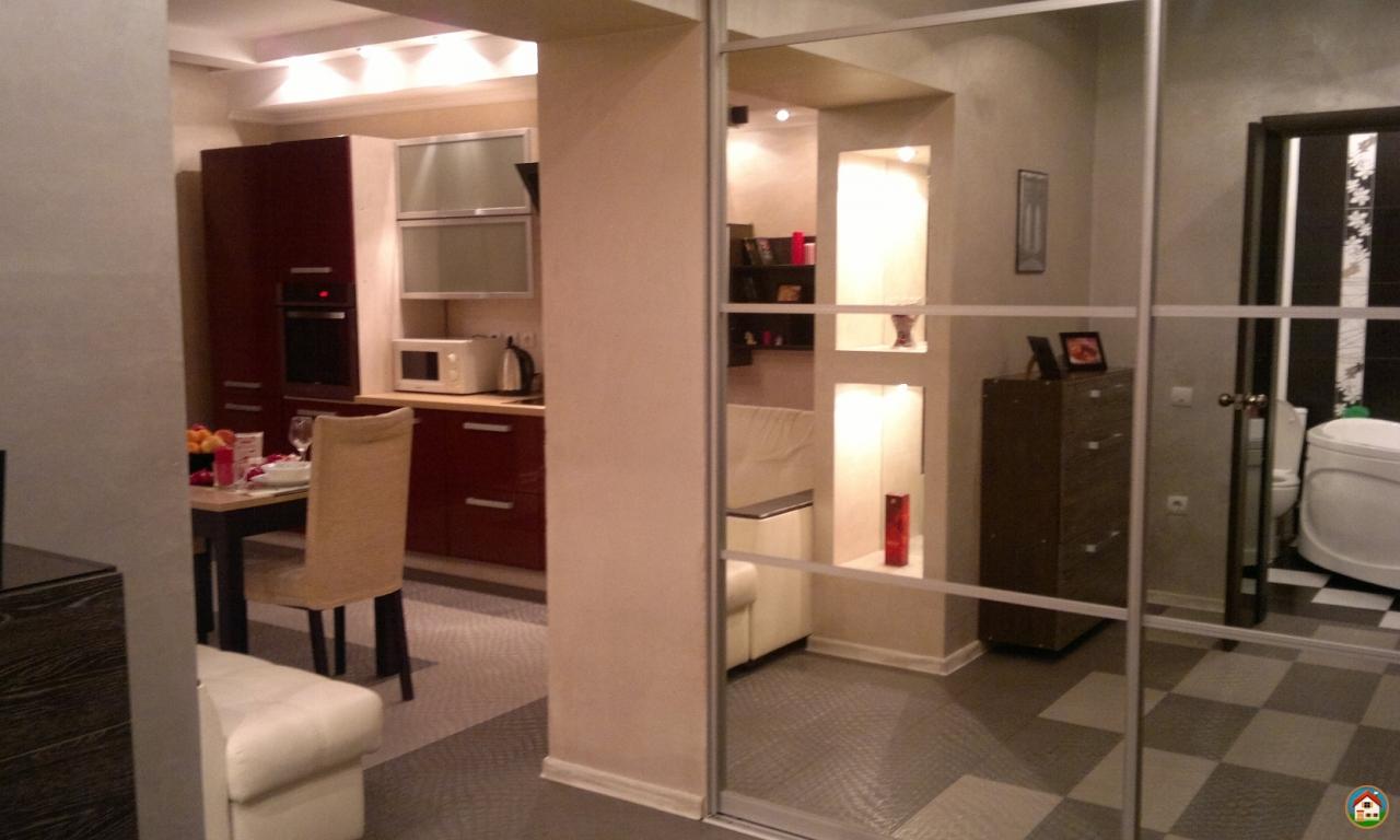 Роскошная квартира класса люкс с огромной шикарной кроватью и джакузи на 600л